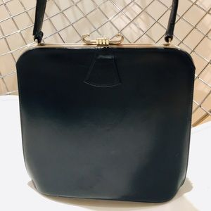 Handbags - Vintage leather satchel